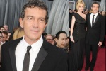 bugs_Oscar 2012_men red carpet_Antonio Banderas