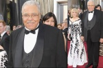 bugs_Oscar 2012_men red carpet_James Earl Jones