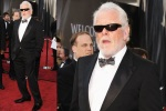 bugs_Oscar 2012_men red carpet_Nick Noite