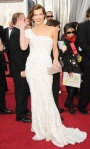 bugs_oscar 2012_Red Carpet_Milla Jovovich in Elie Saab