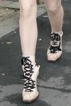 Lady gaga sapatos botas e plataformas