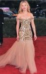 Scarlett Johansson veste Dolce & Gabbana