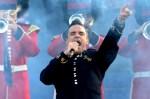 BUGS Diamond Jubilee SHOW Robbie Williams 02